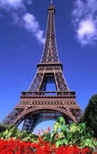 Ейфелева вежа - це реальна окраса для Франції та спогадів усіх, хто там побував