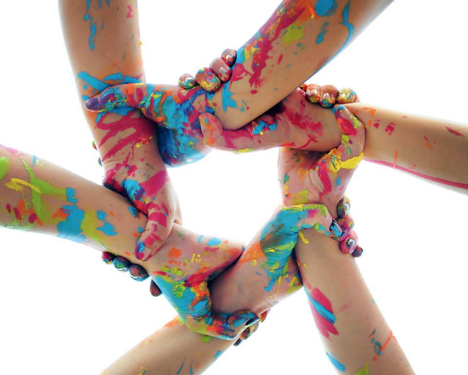 держать за руку, друг друга за руку, тримайтеся за руки з друзями, друзі, підтримка, вірші для друга