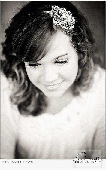 красива дівчина посміхається, beautiful woman smile, lady smiling, young lady smile