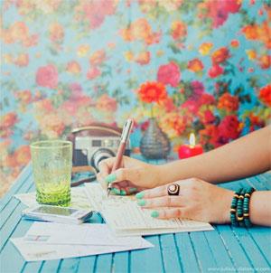 руки дівчини, девушка руки рисует, красивые руки девушки, girl's hands, woman hands, write hands