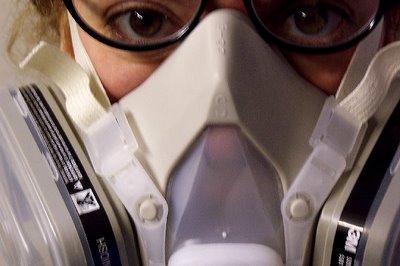 Жінка у протигазі, женщина противогаз, woman gas mask, respirator woman