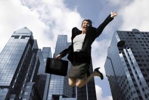 счастливая бизнес леди, бизнес леди улыбается, красивая бизнес леди