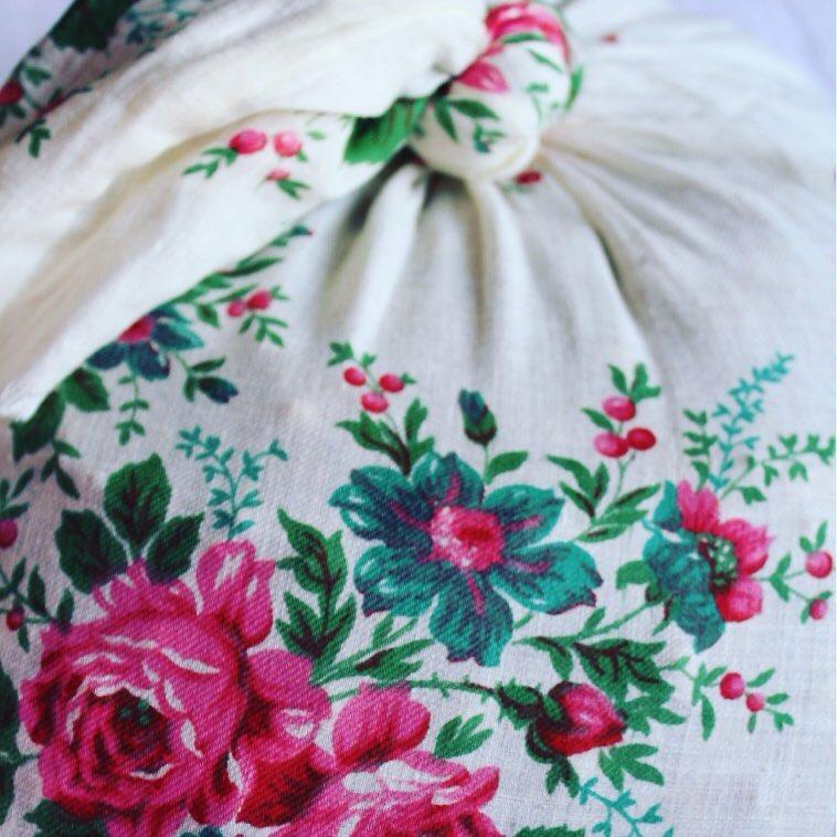 Моя бабуся – справжній трендсеттер у виборі фасонів та пошиті мішків і торбинок :) #українське #madeinukraine