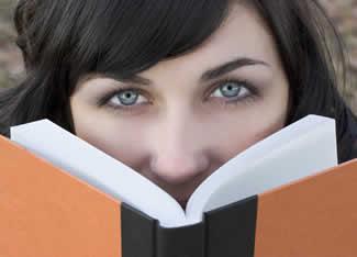 Книги - це дуже цікава частина життя, тож не можна їх замінювати нічим