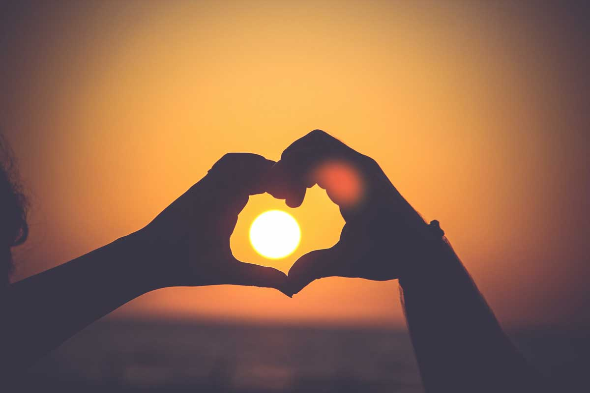 Не дарите сердец, их так трудно потом возвращать