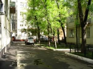 Уют в душе очень зависит от места жительства и уюта двора дома