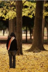 Жовта осінь посміхається навколо і я хочу робити те саме у відповідь осені