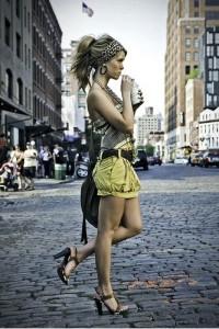 Красиві дівчата залишаються красивими все життя якщо бережуть себе
