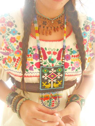 український національний одяг, український костюм, дівчата українки, українська дівчина, фото дівчини українки