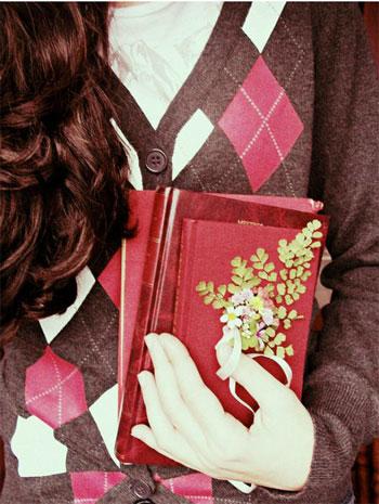 вірш про книги, книжковий вірш, вірші до свята, привітання дівчатам, гарні вірші для дівчат