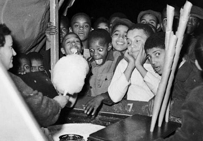 present, happy face, nice children poor, помощь бедным детям, о счастье детства