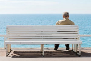 мужчина на скамейке, man on bench, man sitting sea, man bench sea