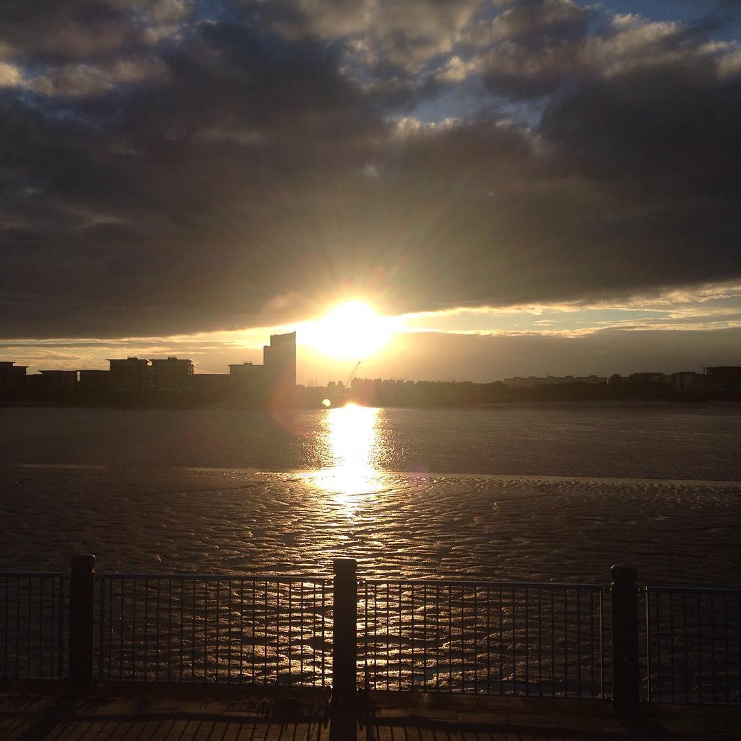 Аксіома: некрасивих заходів сонця не буває :). #sunset #sunsetsky #sunset