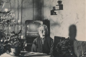 Подзвонити бабусі сьогодні. Одинока бабуся святкує Різдво і Новий Рік / Фотоподяка simpleinsomnia, Flickr Creative Commons
