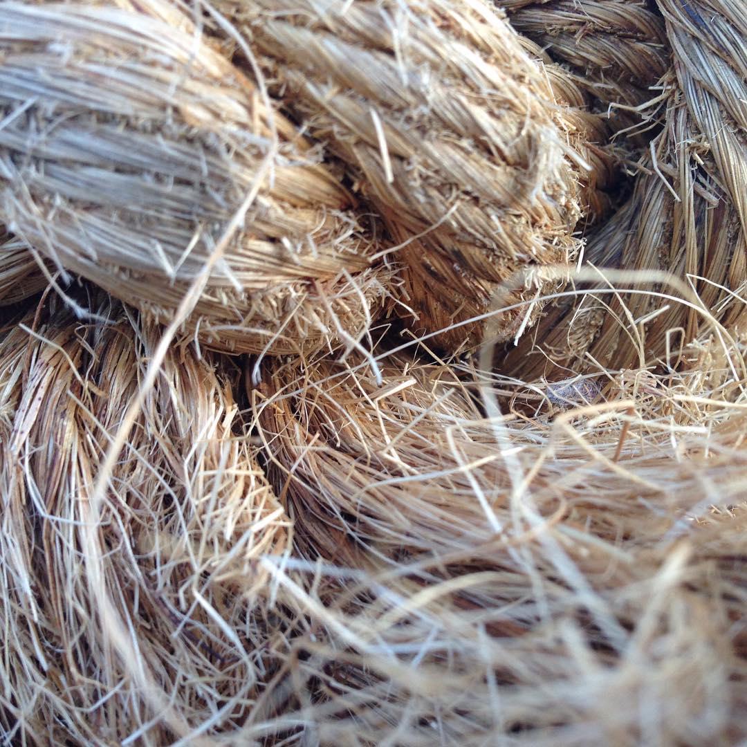 Плетено-кручено… Аж серед зими запахло літнім морем :)